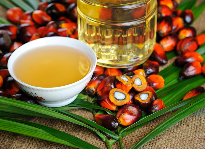 Пальмова олія по догляду за собою