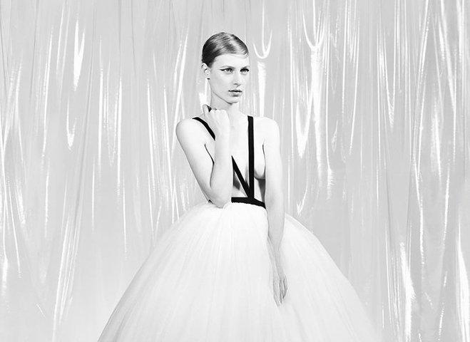 Раф Сімонс представив дебютну кутюрную колекцію для Calvin Klein
