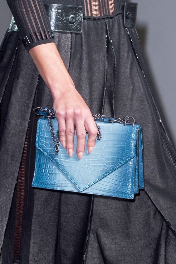 Модные яркие сумки на лето 2020