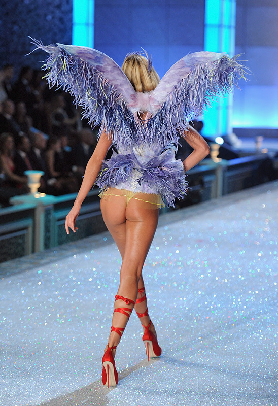 2011 Victorias Secret Fashion Show