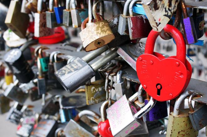 День Св. Валентина: ТОП-8 самых красивых Мостов влюбленных в мире