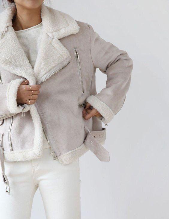 Зимові образи в білому кольорі
