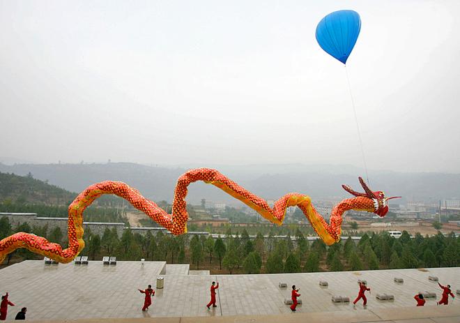 Фестиваль воздушных змеев в Китае