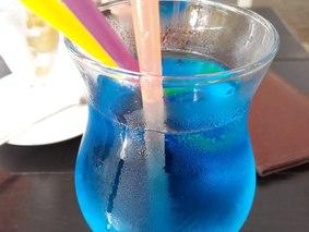 Коктейль Голубая Лагуна особый (с лимонным соком)