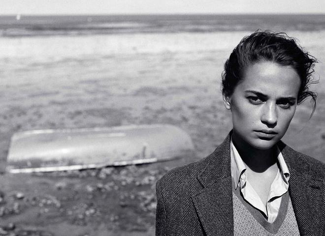 Алісія Вікандер в фотосесії для British Vogue