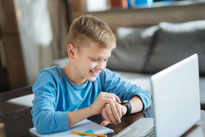 Детские электронные смарт-часы с GPS-отслеживанием