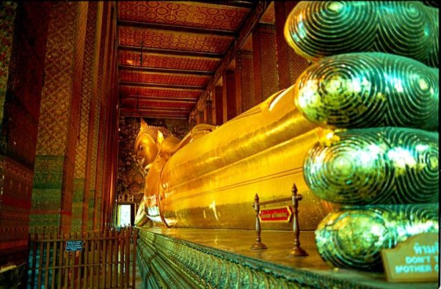 Достопримечательности Бангкока: Храм Лежащего Будды