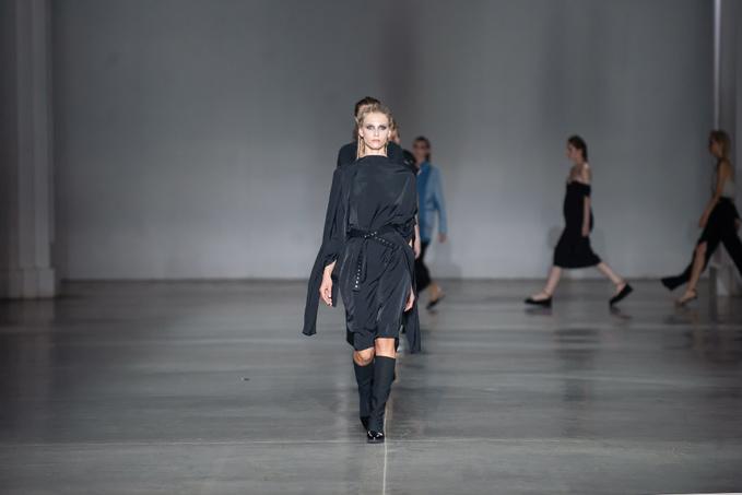 Показ Julia Kross на Ukrainian Fashion Week noseason sept 2021