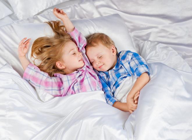 Як вкласти дитину спати вдень