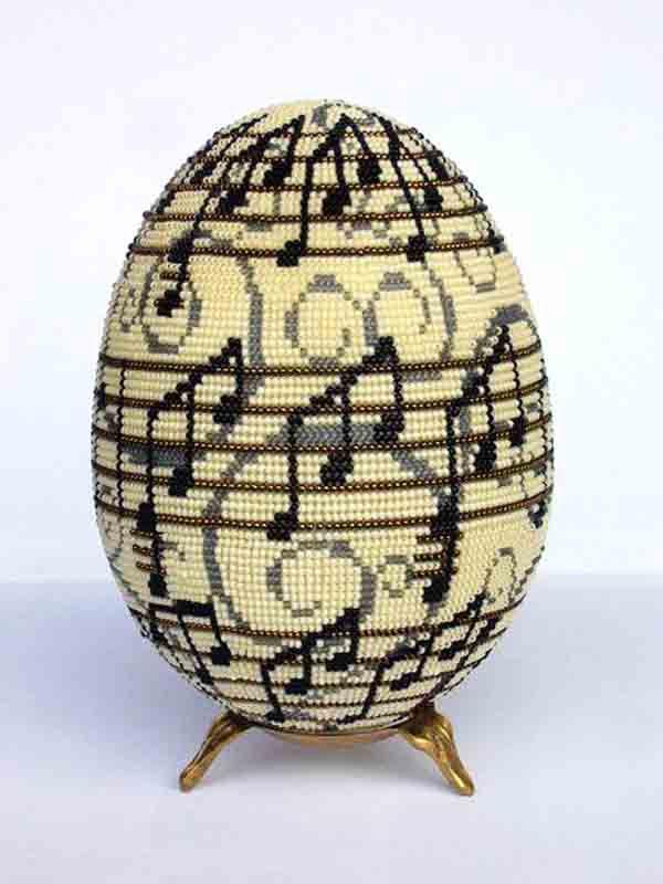 Великодні яйця з бісеру з фото