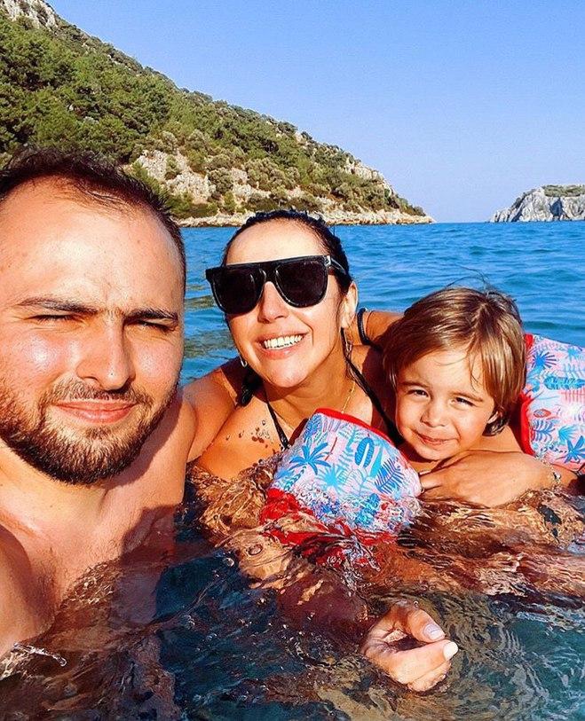 Джамала с семьей