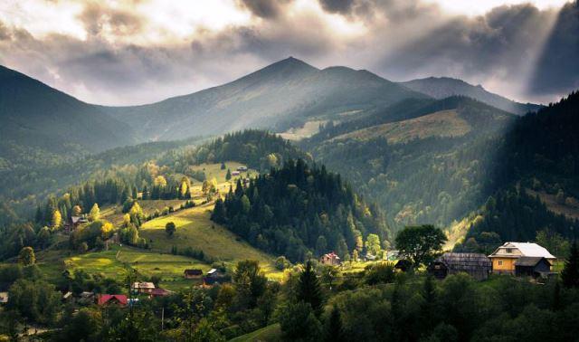 Місця України, які варто відвідати: ТОП-5 унікальних сіл