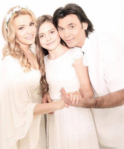 Ольга Сумська та Віталій Борисюк з дочкою Анею