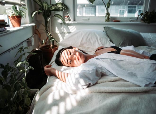 Спати голою: корисно чи шкідливо