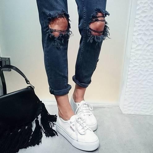 Питання-відповідь  як зробити рвані джинси (фото) - tochka.net ba2f31f28c4c8