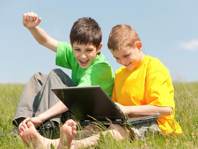 діти в інтернеті