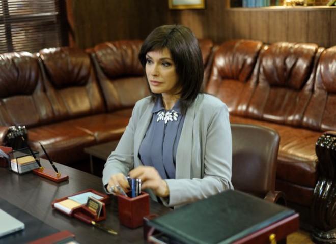 Ольга Сумська перефарбувалася в брюнетку