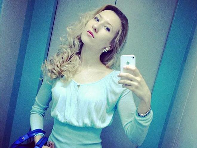 Девочка дрочит и сосет в лифте фото 635-804