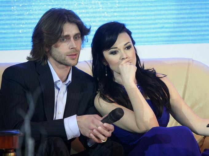 Він та Вона