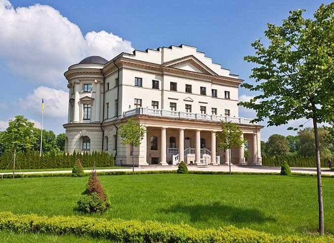 5 удивительных дворцов центральной и северной Украины