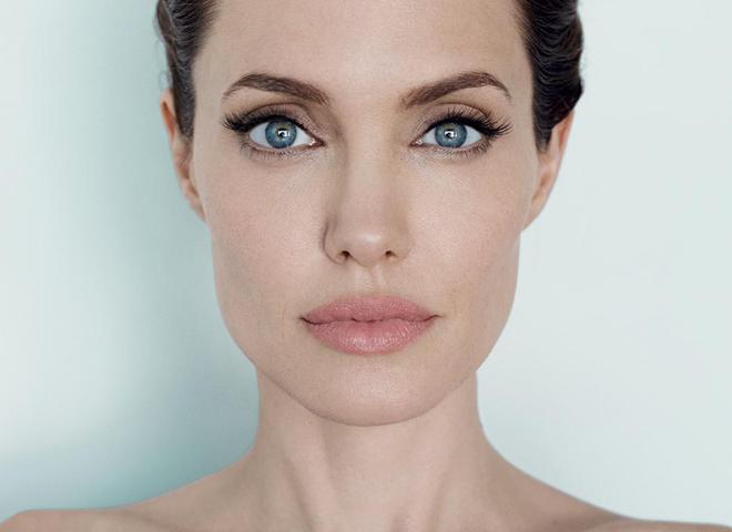 Анджеліна Джолі стала обличчям нового парфуму Guerlain