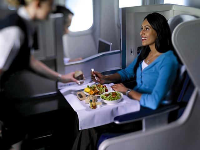 Авиакомпании, которые щедро наливают в полете: British Airways