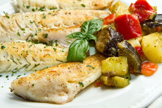 Запечена риба з овочами