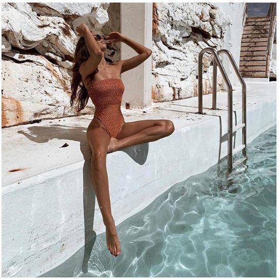 Insta-шпаргалка: 15 поз для фото возле бассейна
