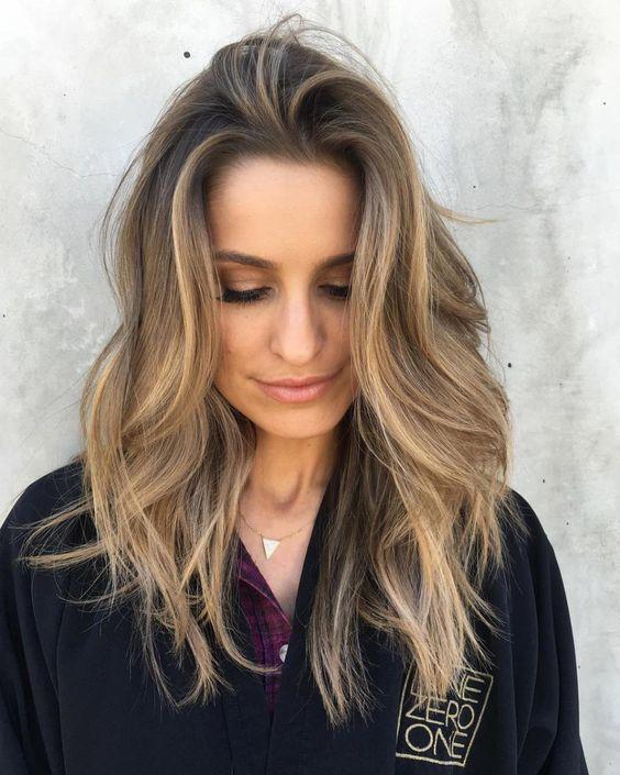 Фарбування волосся на літо
