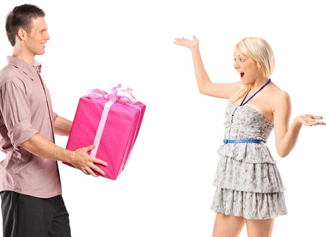 Какой подарок сделать девушке просто так