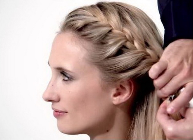 Відео-урок від L'Oréal Paris: французька коса