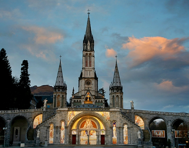 Паломничество Лурд: Санктуарий