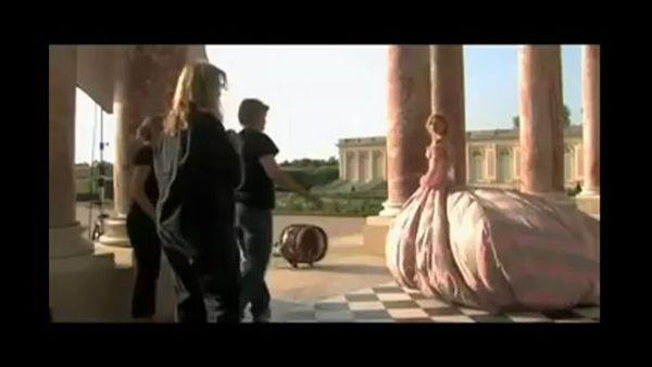 Енні Лейбовіц зняла казкову рекламу для модного бренду Moncler