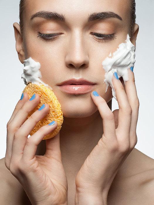 Чутлива шкіра обличчя: як правильно доглядати влітку