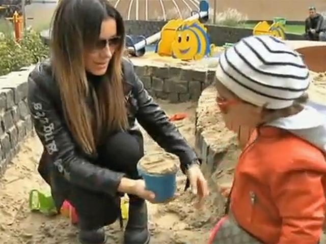 Ани Лорак с ребенком