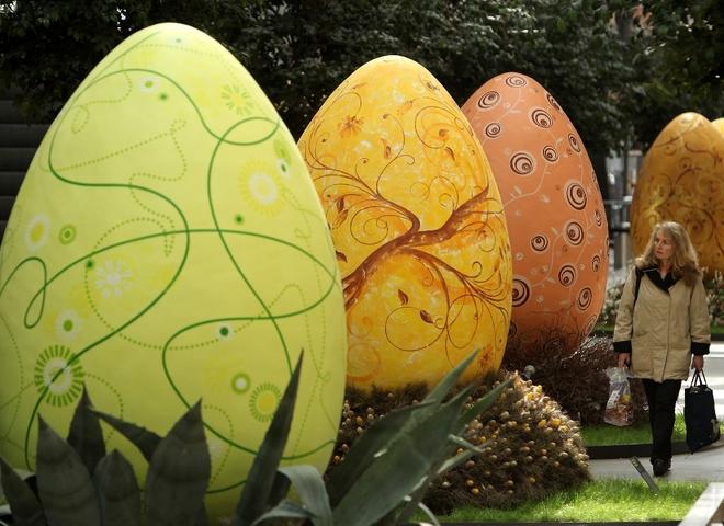 Как красить яйца на Пасху 2012