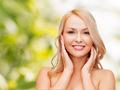 Как увлажнить кожу лица с помощью народных методов?