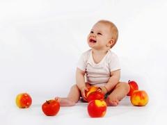 Детские товары: нагрудники, посудка, бутылочки, соски и т.д.