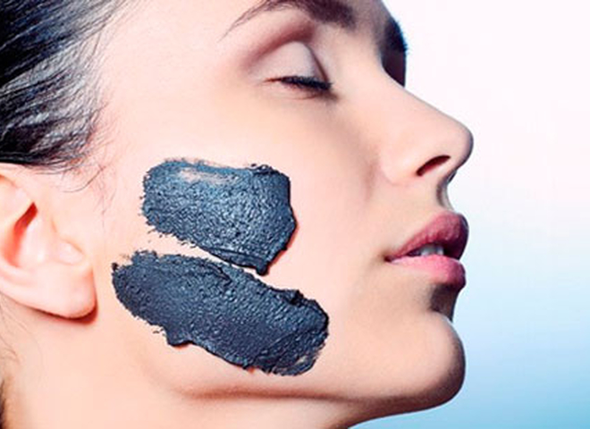 Чорна маска для обличчя: домашні рецепти