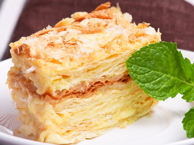 """Урась торт """"Наполеон"""" орешками, ягодами или медом"""