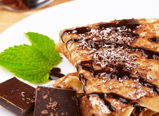 Млинці з бананом і шоколадом: чудовий рецепт