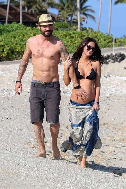 Меган Фокс і Брайан Остін Грін на Гавайському пляжі