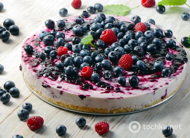 Торт без випічки: рецепт літнього сирного десерту