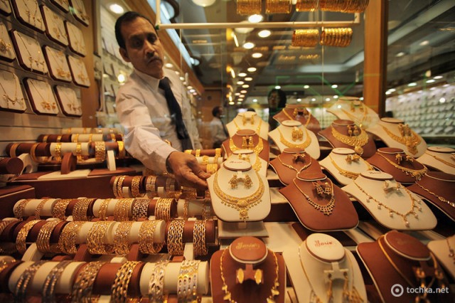 Какова цена за 1 г золота в ОАЭ — ответ «Тонкостей