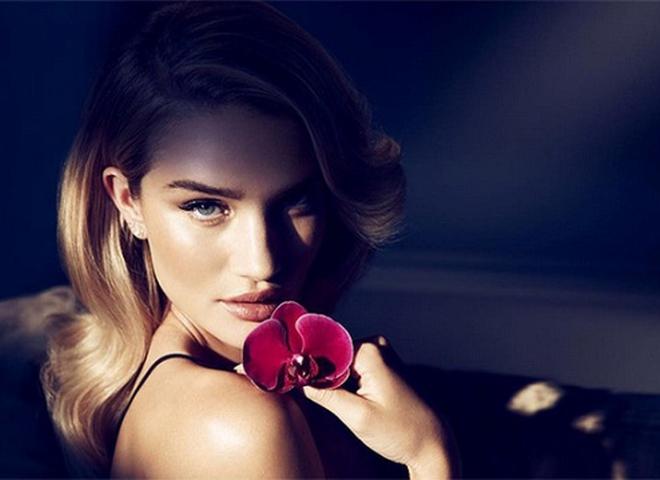 Rose Nuit: Розі Хантінгтон-Уайтлі презентувала новий аромат