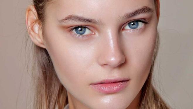 Жирна шкіра обличчя: правила догляду