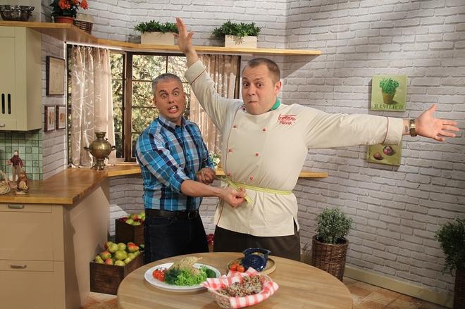 Весняний салат з червоною капустою і кукурудзою від шеф-кухаря на дієті Андрія Дромова