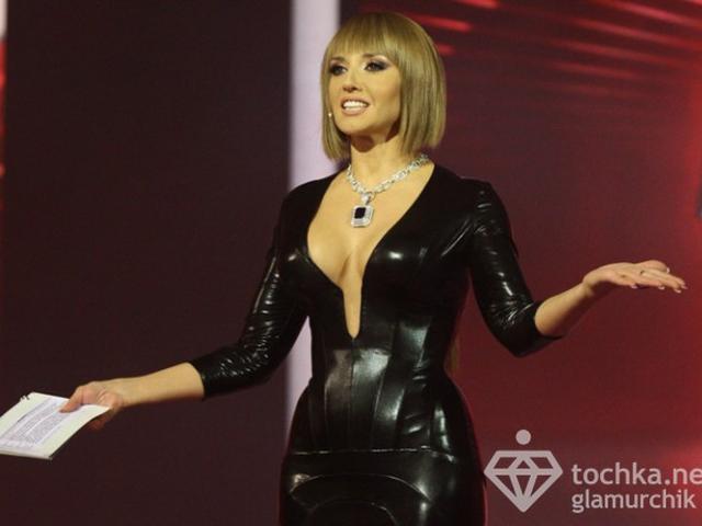 Марченко показала оголенную грудь в прямом эфире (ФОТО) .