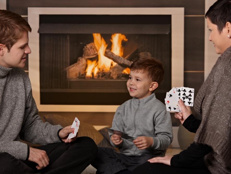 Смотреть видео дети играют в карты казино еврогранд промо-код